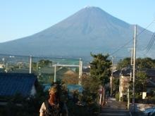 富士山に飽きてきたマユミンと富士山