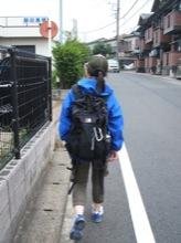マユミンがかっぱを着ると、雨はやむ。